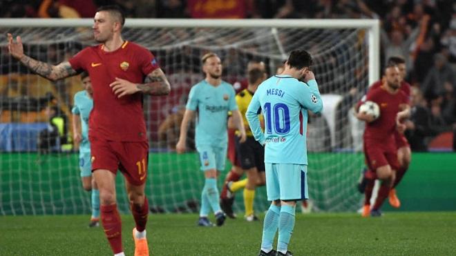 CHÙM ẢNH: Messi thở dài, cúi đầu ngao ngán sau khi Barca thua sốc Roma