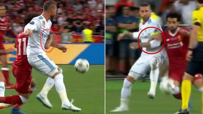 Lộ clip Salah chính là người chủ động khóa tay Ramos trước