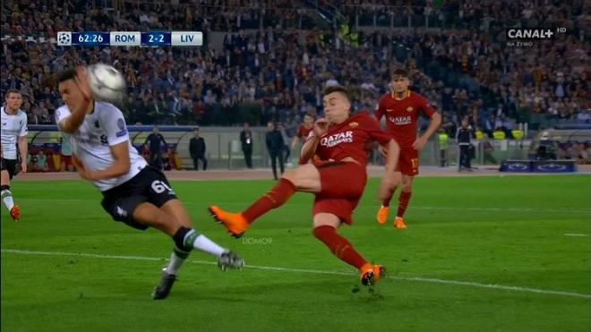 'Chung kết Champions League phải là Bayern Munich - Roma nếu trọng tài không sai lầm'