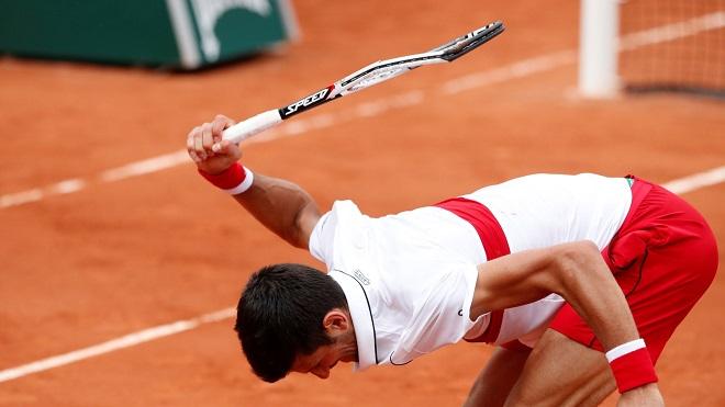 TENNIS 2/6: Djokovic đập gãy vợt trong trận đấu nghẹt thở. Serena Williams muốn vượt qua giới hạn bản thân