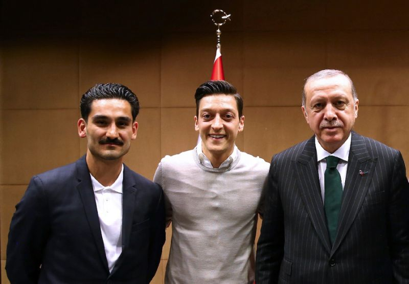 Mesut Oezil từ giã đội tuyển quốc gia, Oezil từ giã đội tuyển Đức, Mesut Oezil chia tay đội tuyển Đức, Oezil, Đức,