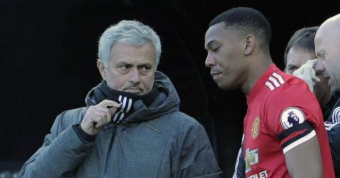 Mourinho đã chỉ trích gần cả một đội hình của M.U