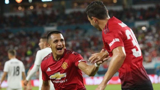 M.U 2-1 Real Madrid: Sanchez và Herrera tỏa sáng, M.U đánh bại Real Madrid