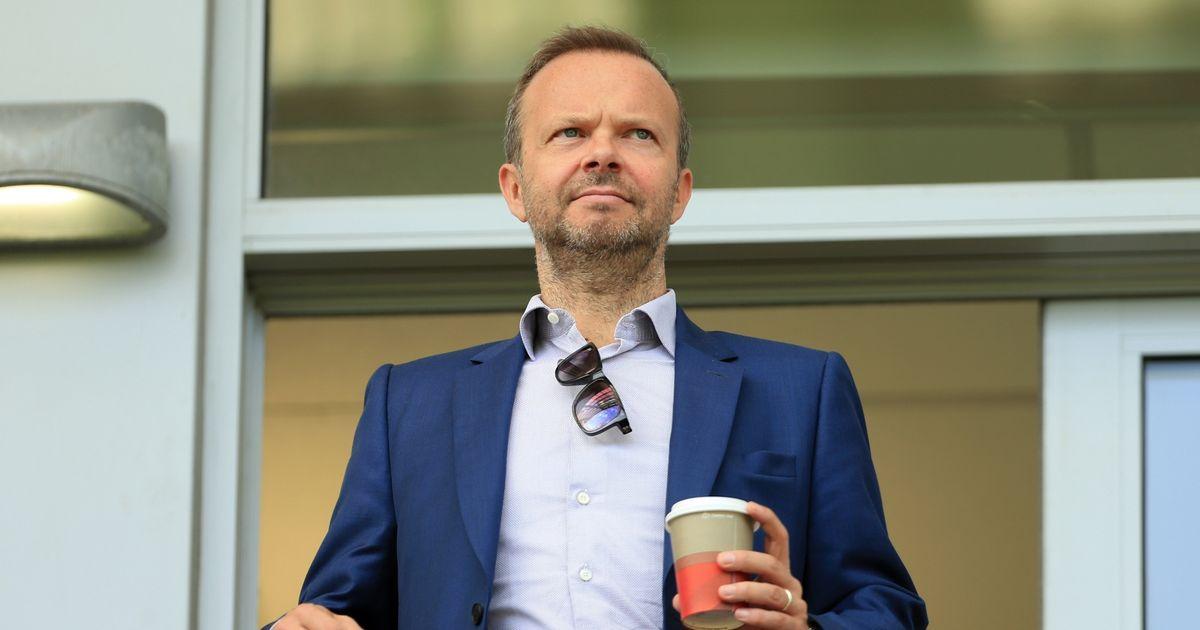'Cuộc chiến vương quyền' ở M.U: Ai là người chiến thắng cuối cùng? Pogba hay Mourinho?