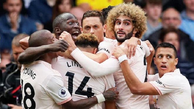 Thày trò Mourinho gặp rắc rối bất ngờ trên đường trở về sau chiến thắng