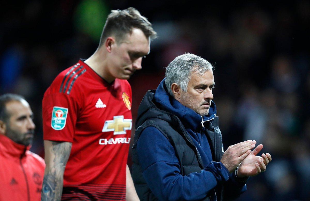 ĐIỂM NHẤN M.U 2-2 (pen 7-8) Derby County: Mourinho thua trò cũ. Marital xứng đáng đá chính hơn Sanchez