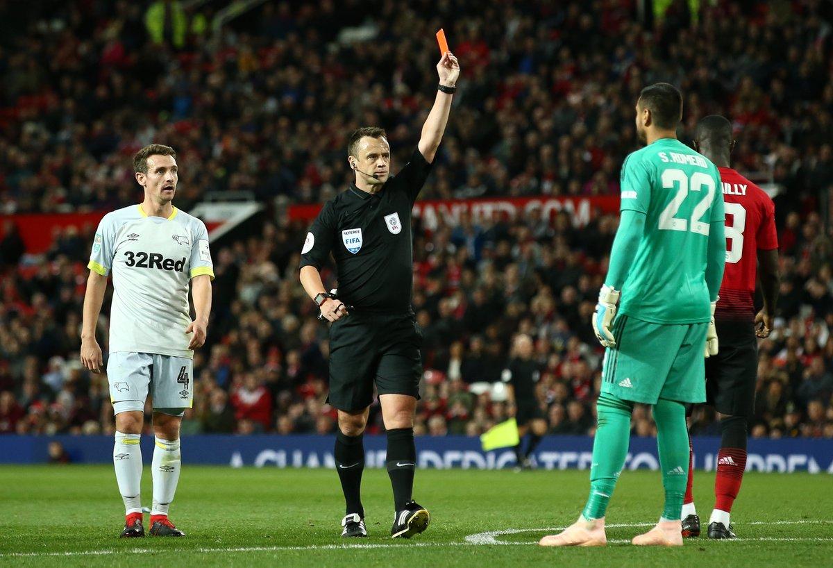 M.U 2-2 (pen 7-8) Derby County: Romero dính thẻ đỏ, M.U bị loại trên chấm 11m
