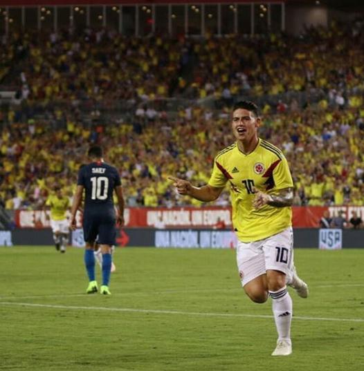 """James Rodriguez ghi bàn không tưởng vào lưới tuyển Mỹ, được phong làm """"thánh siêu phẩm'"""