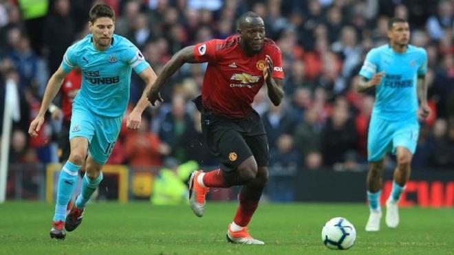 M.U: 6 trận liên tiếp tịt ngòi, đá kém trước đội lớn, đã đến lúc Lukaku dự bị?