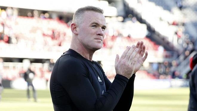Wayne Rooney trở lại đội tuyển Anh làm bùng nổ tranh cãi