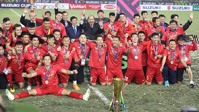 Việt Nam vô địch, đội tuyển Việt Nam, đội tuyển Việt Nam vô địch AFF Suzuki Cup, HLV Park Hang Seo, Quang Hải, Văn Lâm, ASIAN Cup