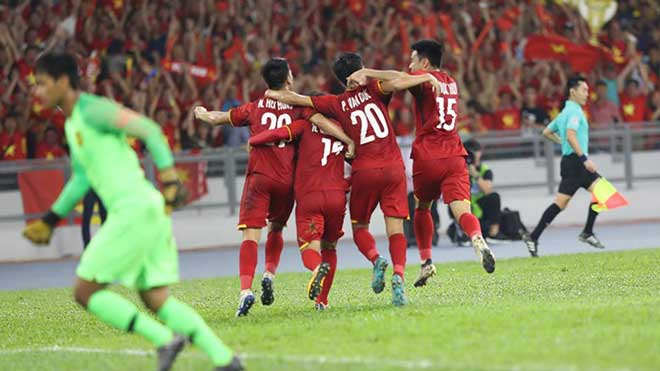 Hòa Malaysia 2-2, Việt Nam san bằng thành tích của nhà ĐKVĐ World Cup