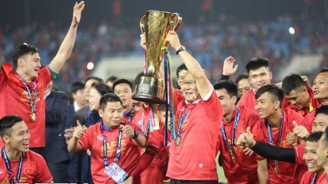 CẬP NHẬT tin tối 17/12: Quê nhà HLV Park ăn mừng chức vô địch. Quang Hải lọt Top sao trẻ ở Asian Cup