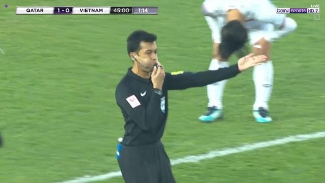 CĐV Việt Nam phẫn nộ vì trọng tài người Singapore thổi 11m U23 Việt Nam