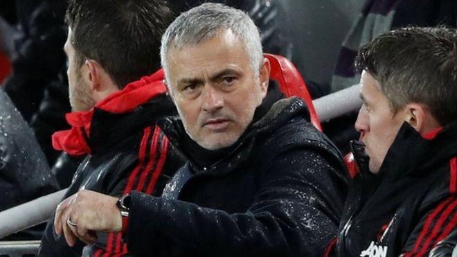Jose Mourinho đã chạm đáy sự nghiệp, cần phải đổi mới chính mình