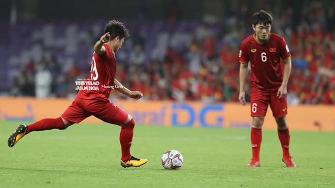 Điểm mặt 5 cầu thủ chuyền bóng hay nhất của Việt Nam ở vòng bảng Asian Cup
