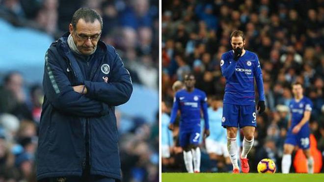 Jamie Carragher: 'Sarri đã khiến Chelsea đã trở nên yếu đuổi như Arsenal'