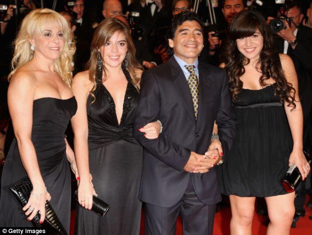 Maradona, Diego Maradona, Cậu bé vàng, con rơi của Maradona, con ngoài giá thú, Cuba