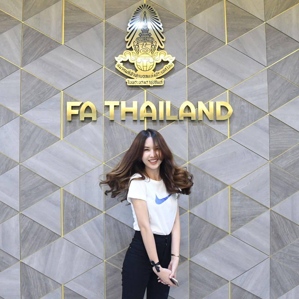 Supachai Jaided, Thái Lan, Butsakorn Eakkaphan, Ngọc Trinh, hot girl, U23 Thái Lan, vòng loại U23 châu Á 2020, trực tiếp U23 Thái Lan, xem trực tiếp U23 Thái Lan