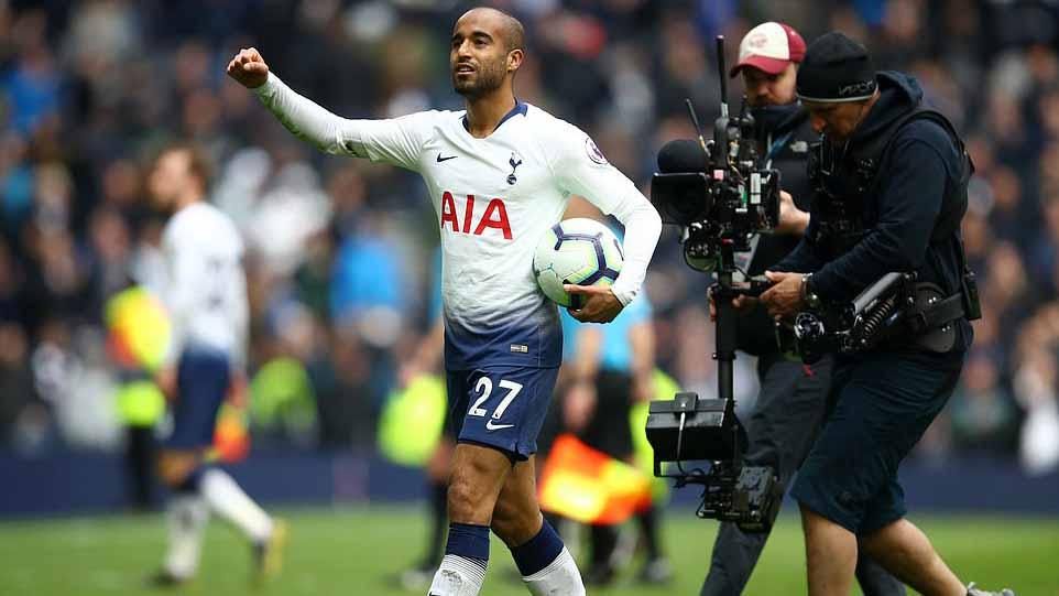 Tottenham 4-0 Huddersfield: Lucas Moura lập hat-trick, Tottenham vào top 3 ngoại hạng Anh