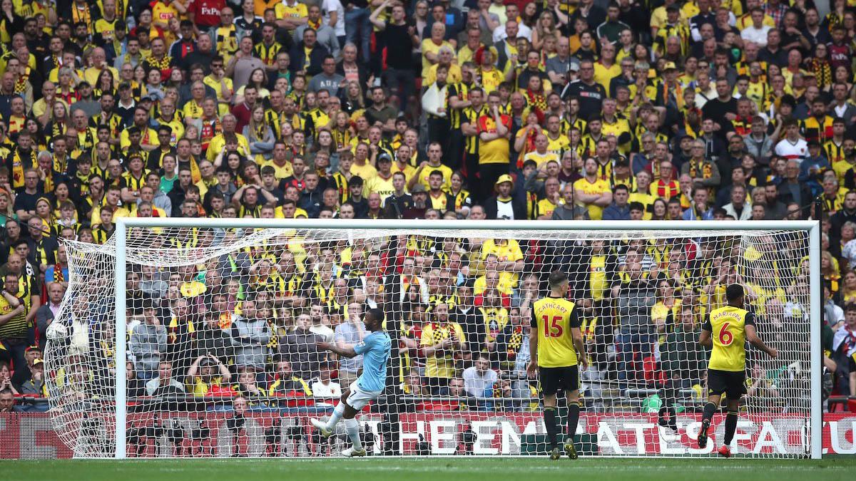 Man City 6-0 Watford: Sterling lập hat-trick, Man City vô địch FA Cup