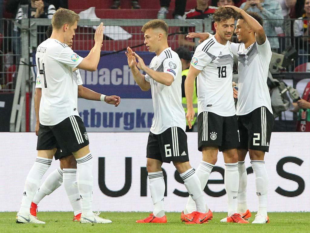 VIDEO Đức 8-0 Estonia: Marco Reus lập cú đúp, Neuer phá kỉ lục giữ sạch lưới