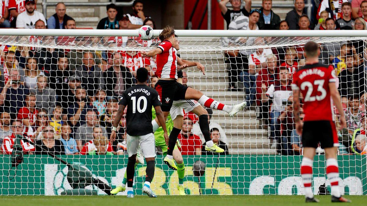 Southampton 1-1 MU: Đá hơn người, MU vẫn không thắng trận thứ 3 liện tiếp