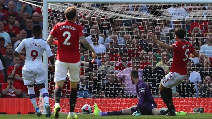 MU 1-2 Crystal Palace: Rashford đá hỏng 11m, De Gea mắc sai lầm, MU thua trên sân nhà