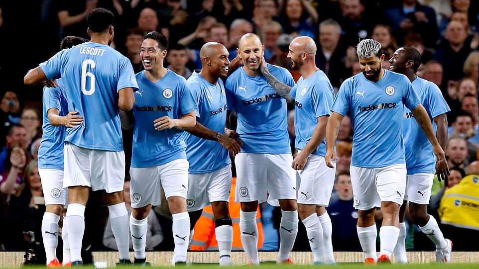 scholes, chuyền bóng, paul scholes, vincent kompany, man city, bóng đá, bong da, mu, manchester united