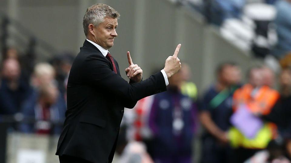 Solskjaer chỉ ra vấn đề của MU, đáp trả chỉ trích từ Mourinho