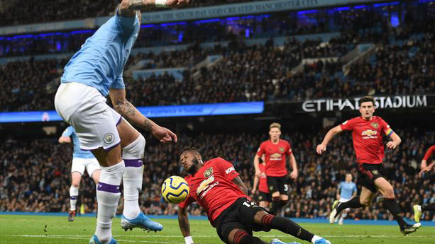 bóng đá, bong da, mu, man city, man city vs mu, kết quả man city vs mu, rashford, martial, var