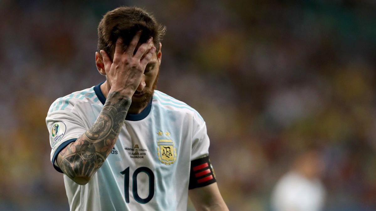 CẬP NHẬT sáng 16/6: Argentina thảm bại. MU mua hậu vệ  West Ham. De Ligt sẽ tới PSG