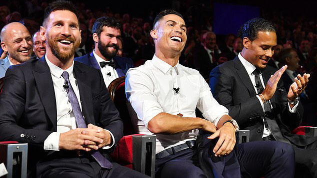 Ronaldo, Messi, Champions League, Bốc thăm cúp C1, Cristiano Ronaldo, Lionel Messi, Ronaldo nói về Messi, Cầu thủ hay nhất UEFA, Van Dijk, kết quả bốc thăm C1