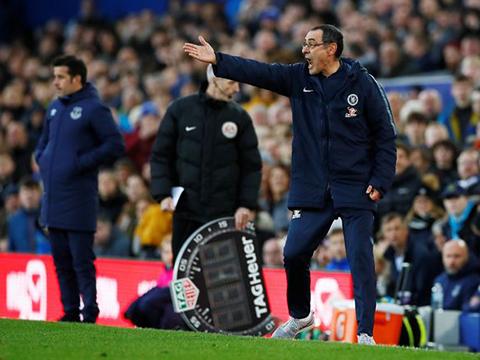 Maurizio Sarri: 'Cứ đá thế này Chelsea còn lâu mới vào Top 4'