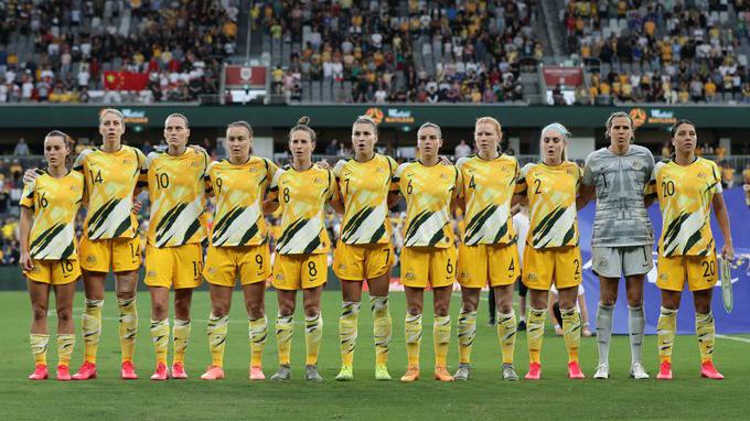 Bóng đá hôm nay 13/2: Nữ Việt Nam gặp Úc tranh vé dự Olympic. FIFA ca ngợi Tiến Linh