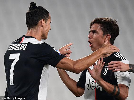 Juventus 4-0 Lecce: Ronaldo, Dybala và Higuain cùng ghi bàn, Juve củng cố ngôi đầu