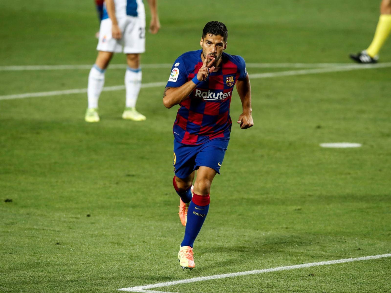 Barcelona 1-0 Espanyol: Luis Suarez tỏa sáng, Barcelona bám sát Real Madrid
