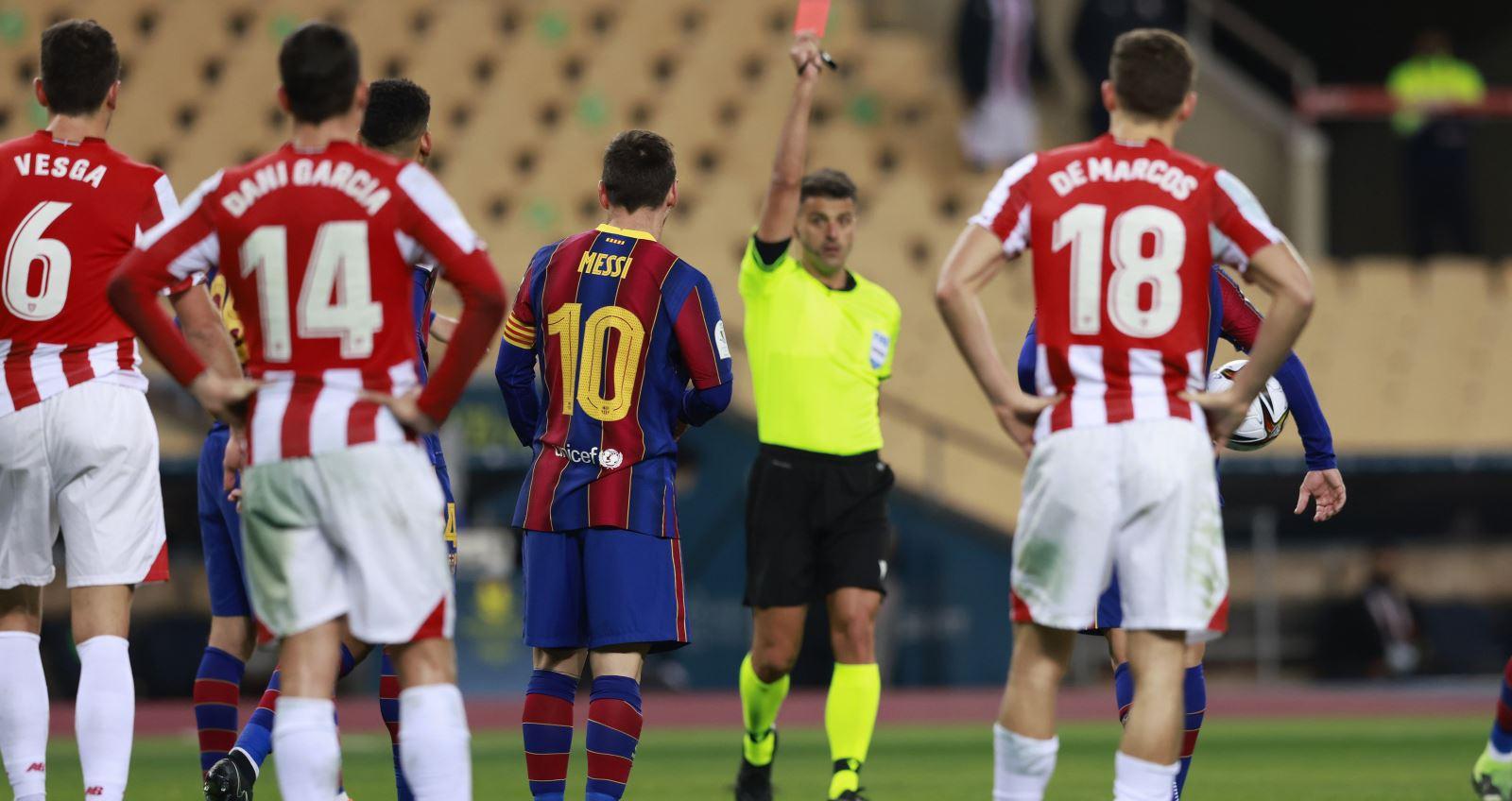 Trọng tài đuổi Messi ở trận chung kết Siêu cúp Tây Ban Nha có thể bị phạt ngược?