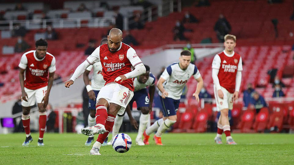 ĐIỂM NHẤN Arsenal 2-1 Tottenham: Người hùng và tội đồ Lamela. Arsenal trên trình Tottenham