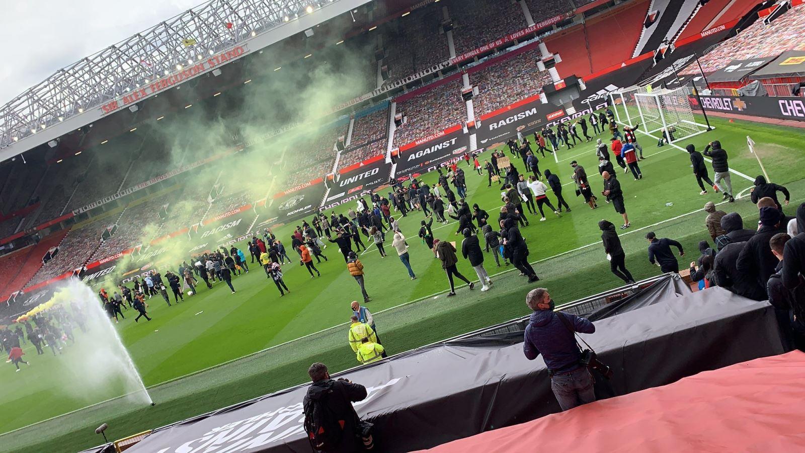 MU vs Liverpool hoãn, CĐV MU làm loạn, CĐV MU biểu tình, trận MU vs Liverpool bị hoãn, trực tiếp MU vs Liverpool, trực tiếp bóng đá Ngoại hạng Anh