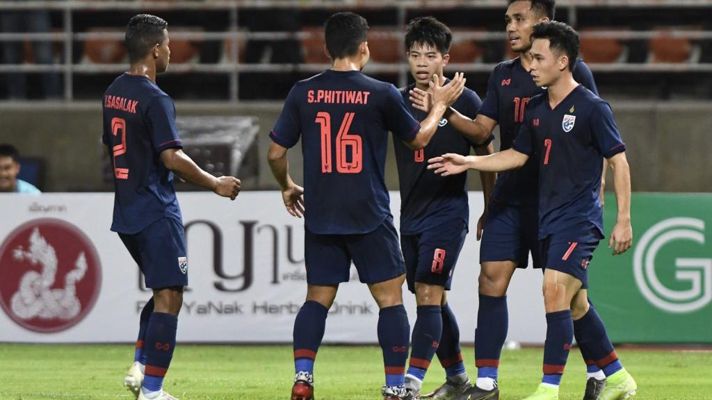 Ket qua bong da hom nay, ket qua vong loai World Cup 2022 bang G, ket qua bong da, kết quả bóng đá, Indonesia vs Việt Nam, Thái Lan vs UAE, cục diện bảng G, bxh bảng G