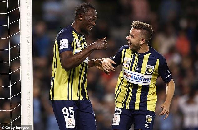 NÓNG: 'Tia chớp' Usain Bolt lập cú đúp cho đội bóng của Australia
