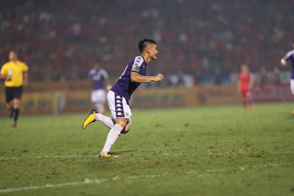 VIDEO bàn thắng Hà Nội 3-1 Hải Phòng: Siêu phẩm của Quang Hải nhấn chìm Hải Phòng