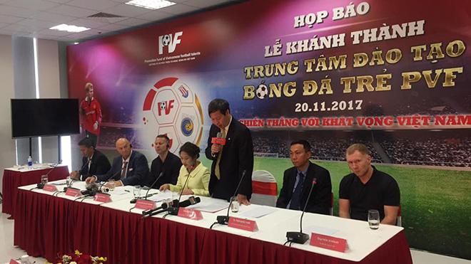 Giggs và Scholes: 'Chúng tôi sẽ giúp Việt Nam dự World Cup 2030'