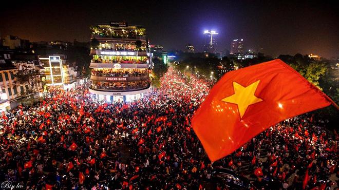 Vì sao U23 Việt Nam trở thành 'hiện tượng quốc dân', tạo ra làn sóng mê cuồng khắp đất nước?