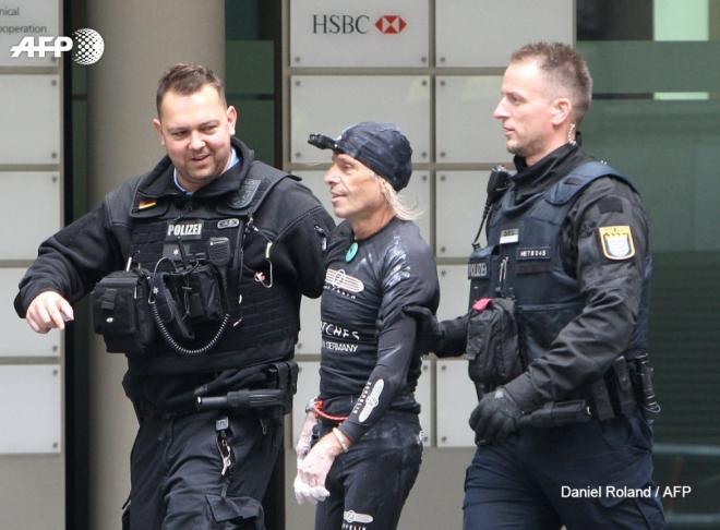 Alain Robert, người nhện đời thực, bị bắt, tòa tháp Skyper Đức