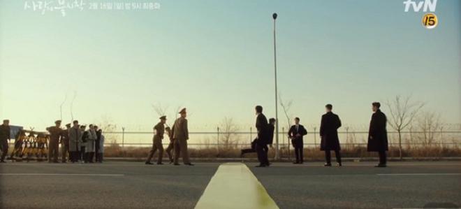 Crash Landing On You tập 16, Hyun Bin bị bao vây trong rừng, căng thằng giữa biên giới Bắc - Nam Hàn, Hạ Cánh Nơi Anh tập  16, xem Crash Landing On You, tập 16