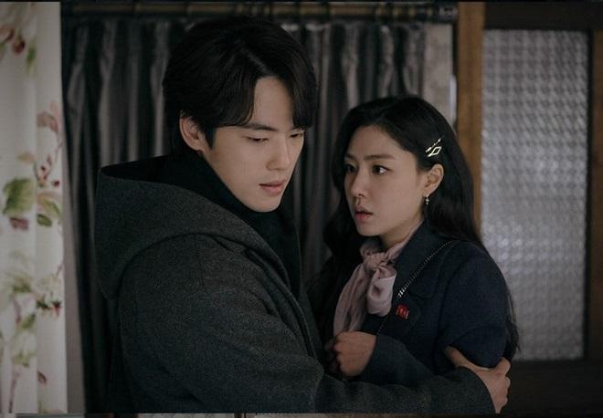 Crash Landing On You, tập 15, tvN gây bối rối khán giả, Son Ye Jin túng quẫn, đối mặt Hyun Bin, Hạ cánh nơi anh tập 15, crash landing on you