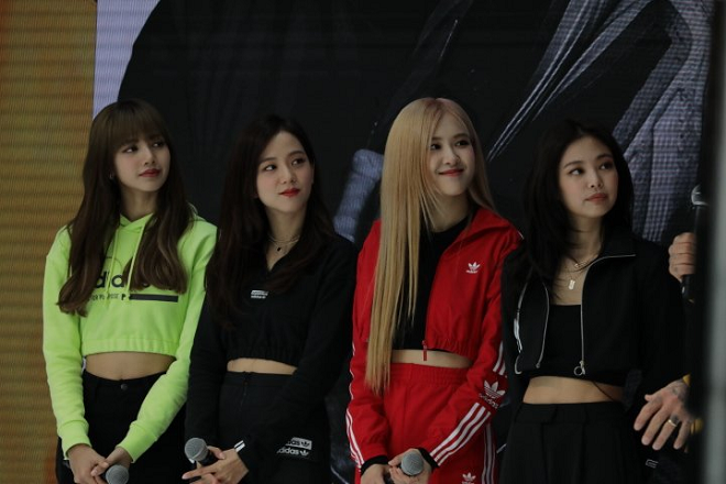 Blackpink, ôm David Beckham, David Beckham, Blackpink thành viên, blackpink youtube, blackpink lisa, blackpink jisoo, blackpink jennie, blackpink rose, blackpink 2019