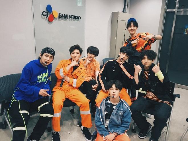 BTS, ARMY, BTS tin tức, BTS thành viên, BTS bài hát, Kpop, Go Go, Anpanman, 21 Century Girl